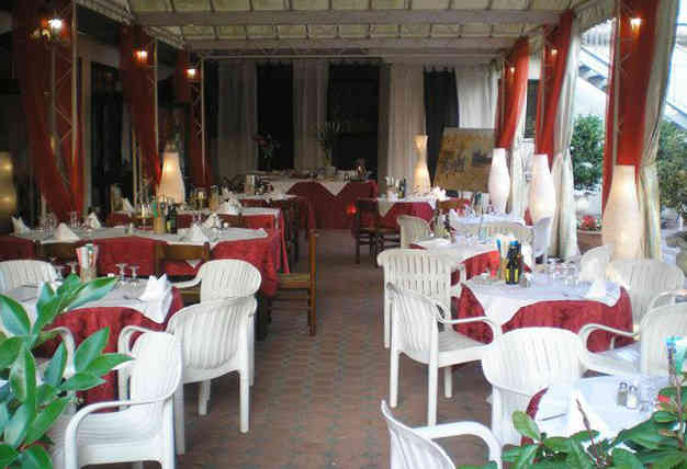 Dining rooms (20)