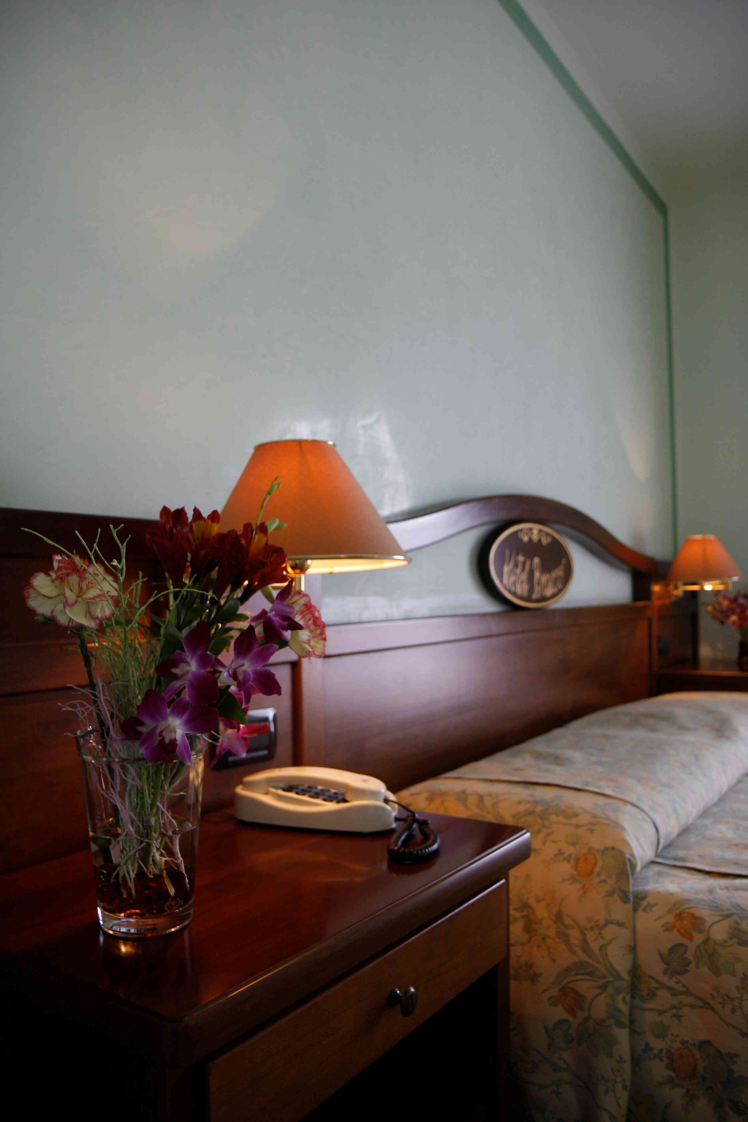 Rooms  (4)
